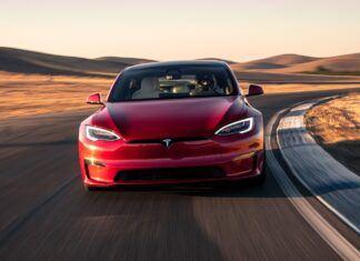 Tesla Model S upokorzyła Porsche. Na jego własnym terenie!