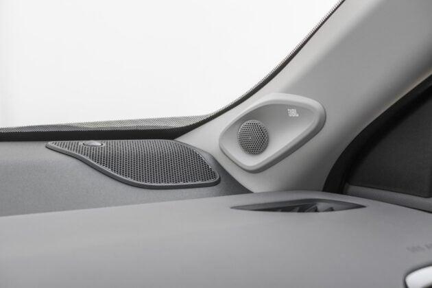 Toyota Yaris Cross - audio JBL