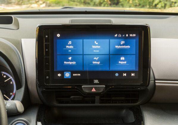 Toyota Yaris Cross - system multimedialny