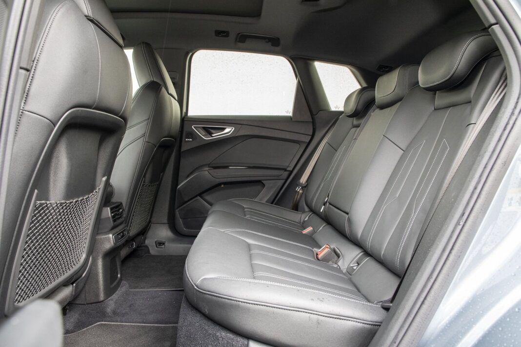 Audi Q4 e-tron test 2021 - tylna kanapa