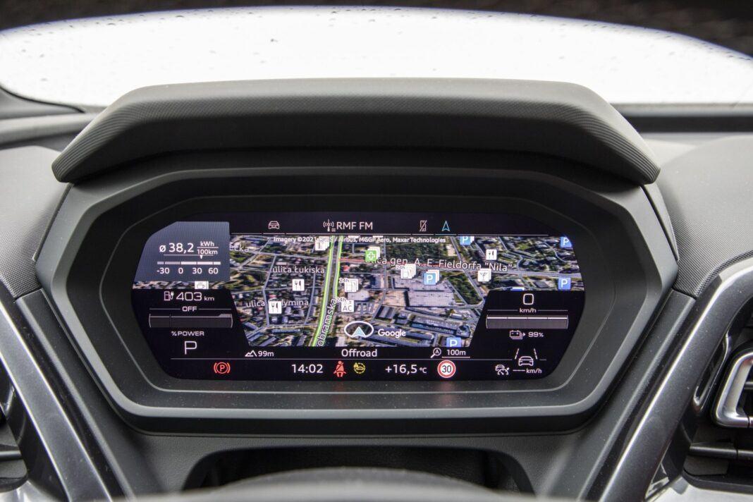 Audi Q4 e-tron test 2021 - cyfrowe wskaźniki