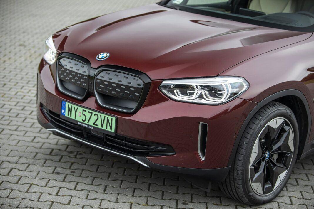 BMW iX3 - test (2021) - osłonięty grill