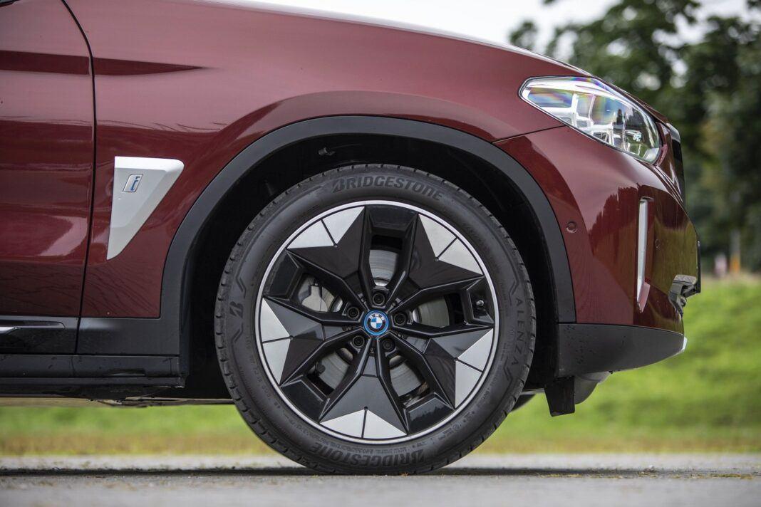 BMW iX3 - test (2021) - 18-centymetrowy prześwit