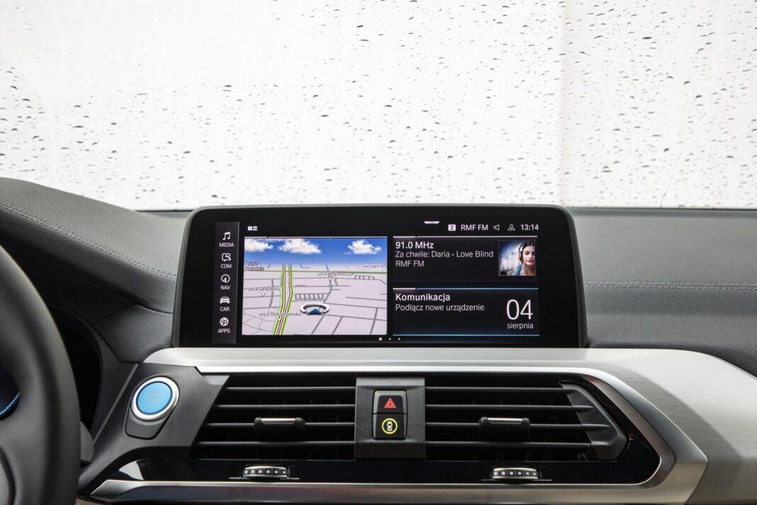 BMW iX3 - test (2021) - system multimedialny iDrive
