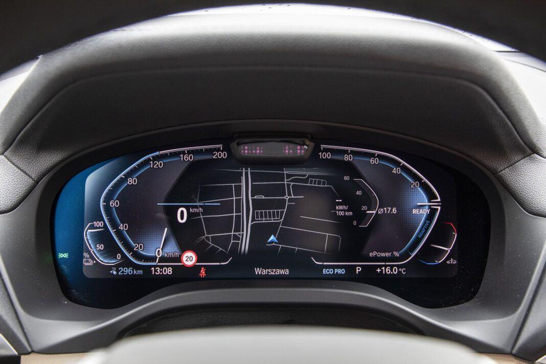 BMW iX3 - test (2021) - cyfrowe wskaźniki