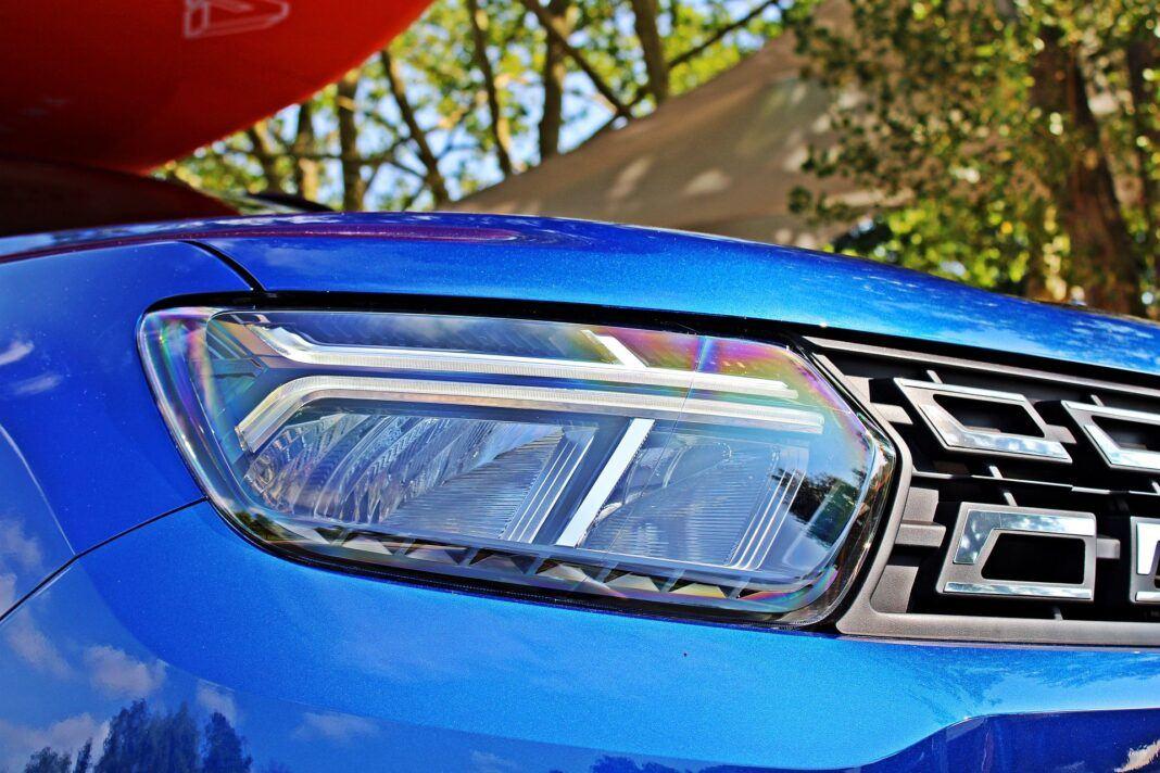 Dacia Duster II FL - reflektor
