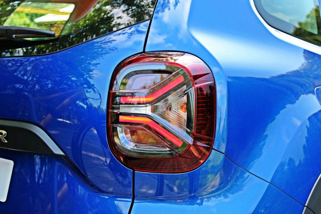 Dacia Duster II FL - tylne światła