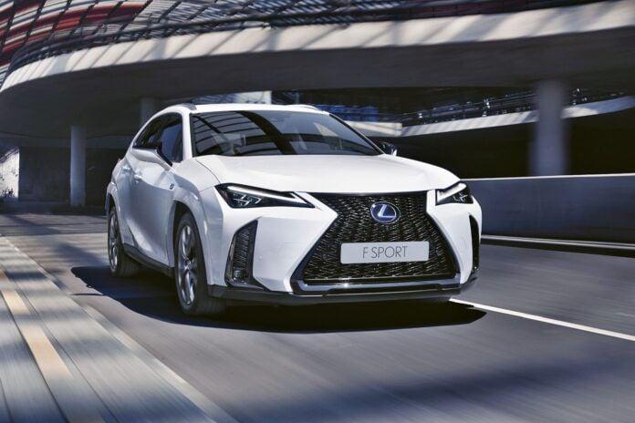 Lexus UX (2022)