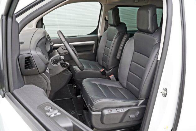 Opel Zafira Life - fotele przednie