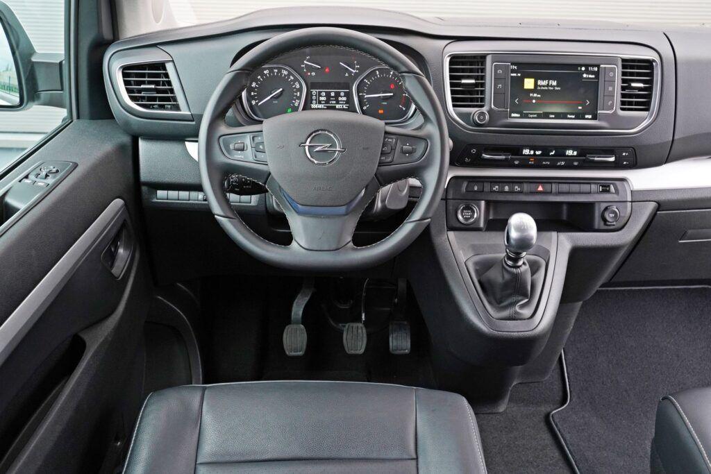 Opel Zafira Life - deska rozdzielcza