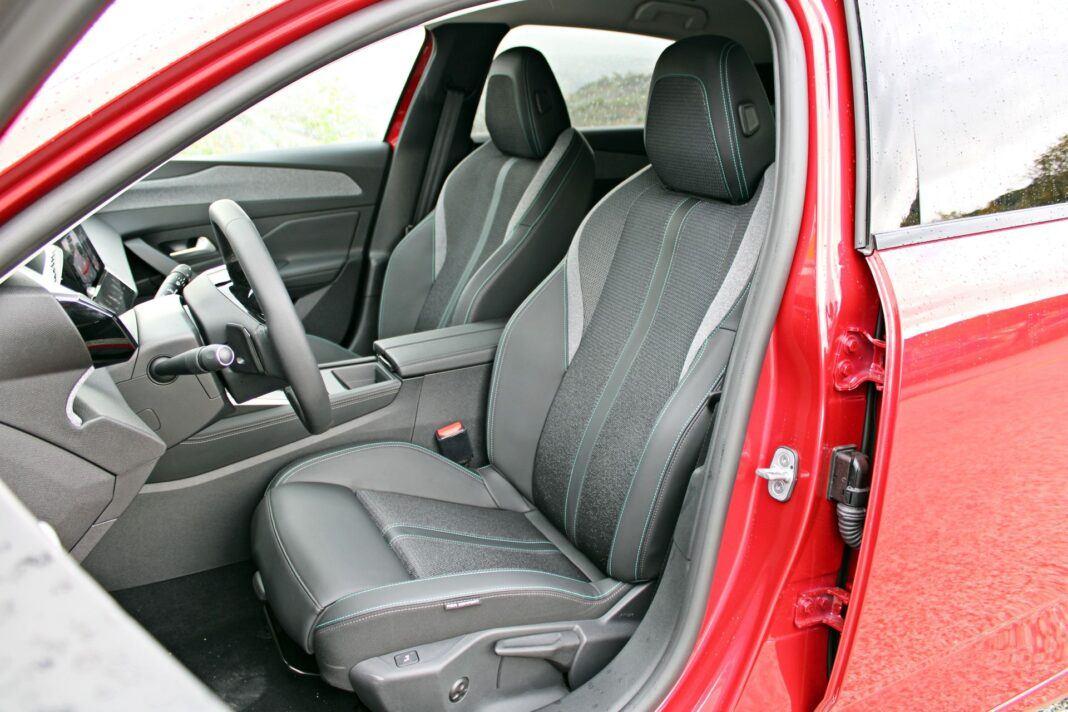 Peugeot 308 - fotele przednie
