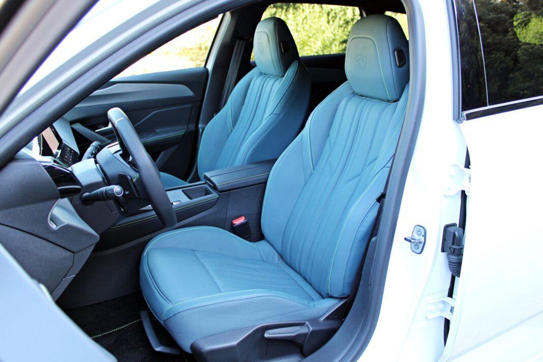 Peugeot 308 SW - fotele przednie
