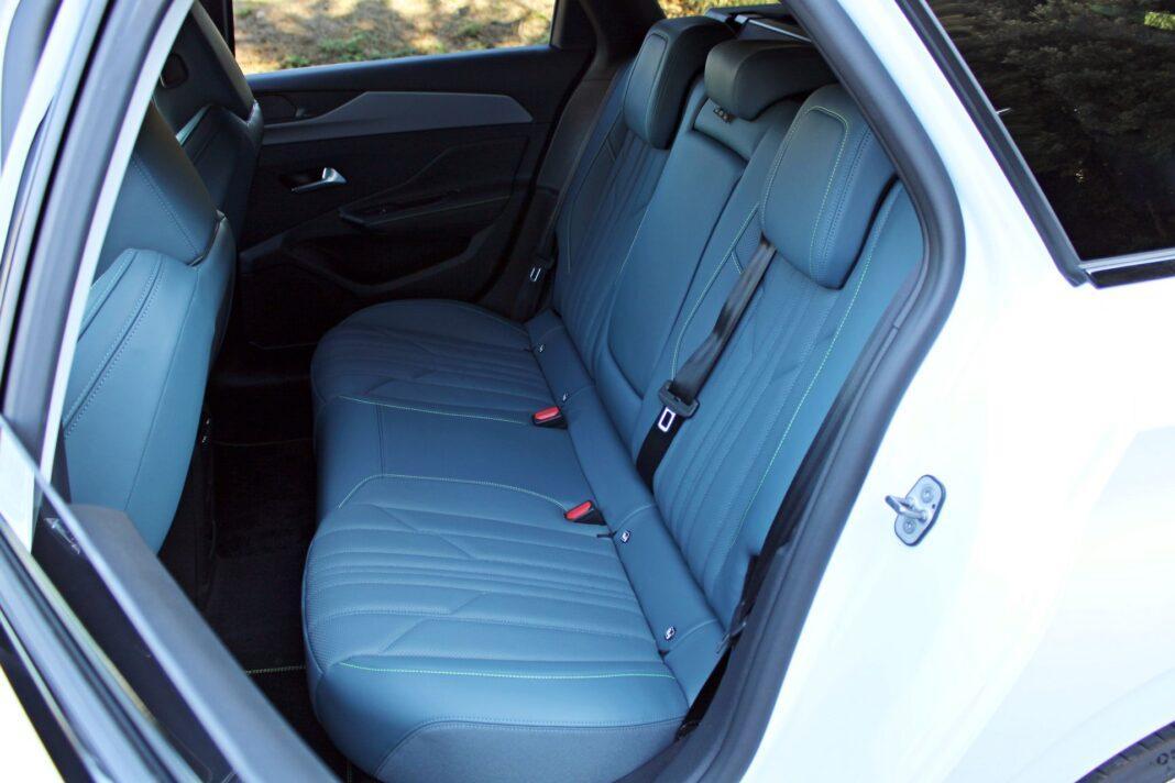 Peugeot 308 SW - tylna kanapa