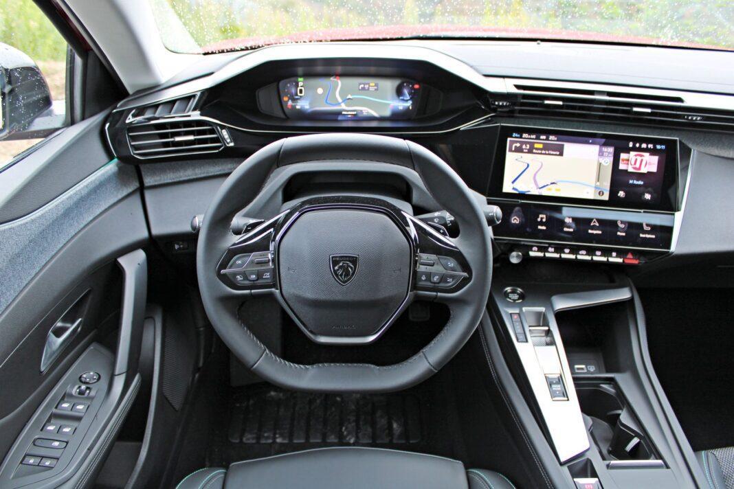 Peugeot 308 - deska rozdzielcza