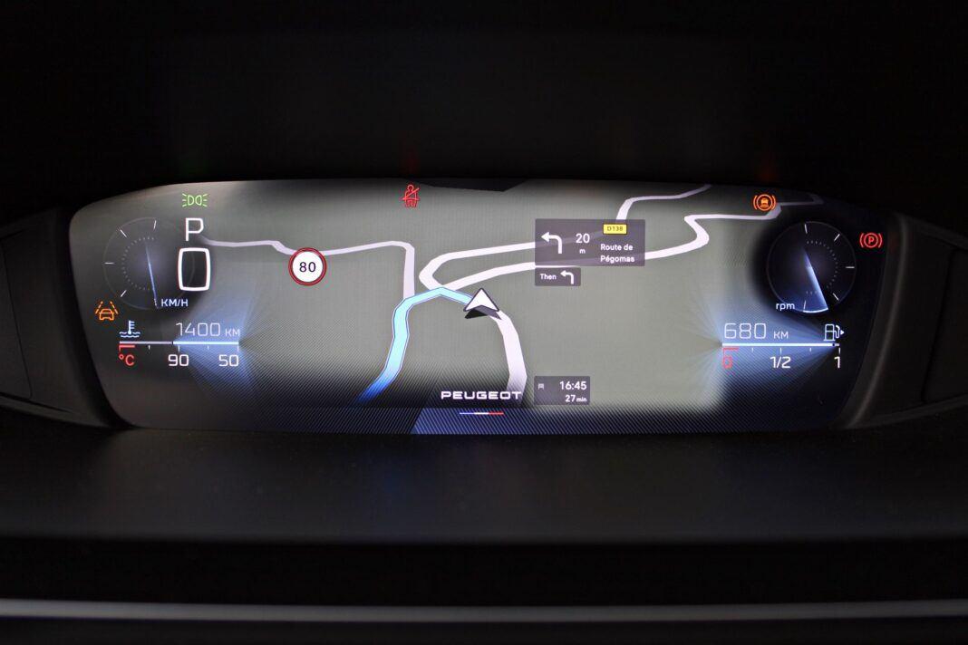 Peugeot 308 - cyfrowe zegary