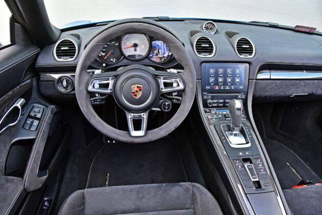 Porsche 718 Boxster - deska rozdzielcza