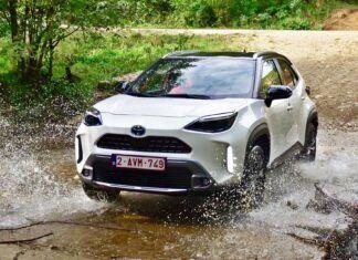 Napęd AWD-i w hybrydowych Toyotach – jak to działa?