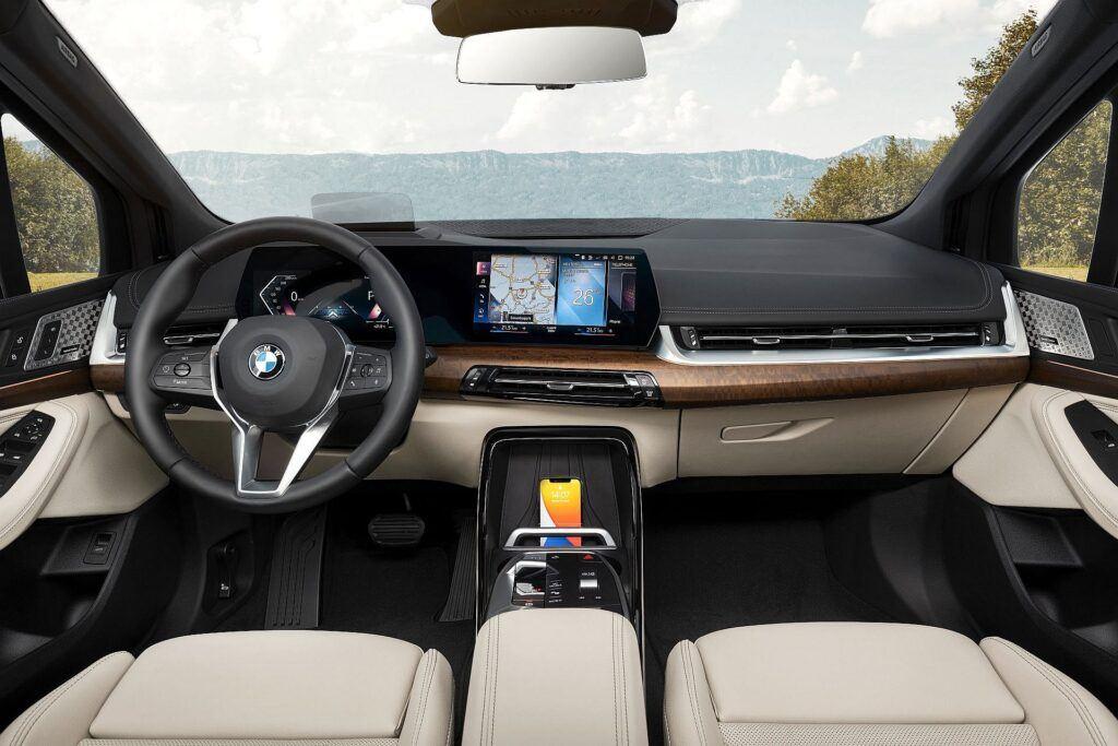 BMW serii 2 Active Tourer 2022 05