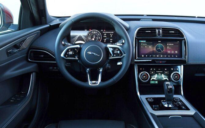 Jaguar XE deska rozdzielcza