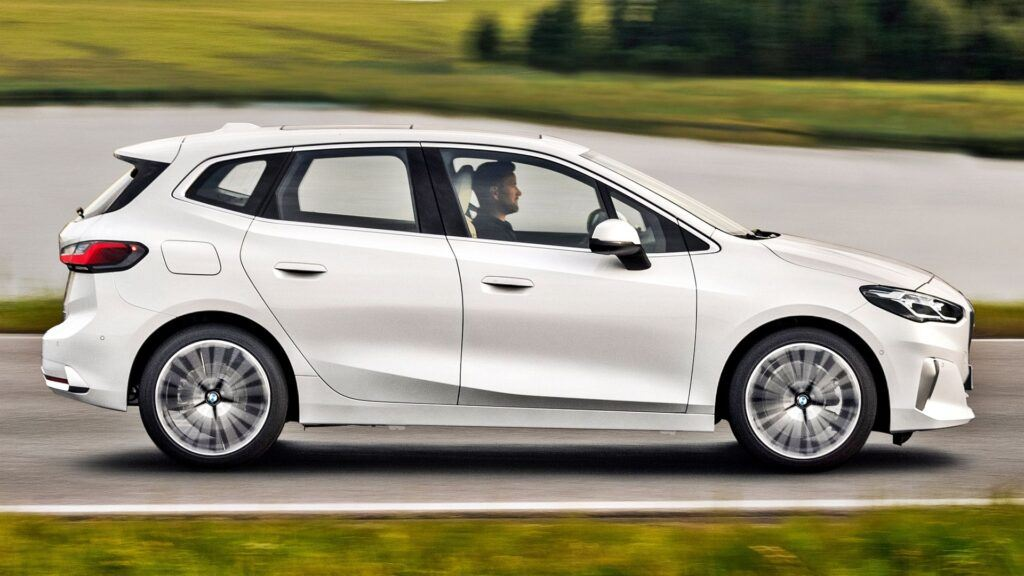 BMW serii 2 Active Tourer - bok