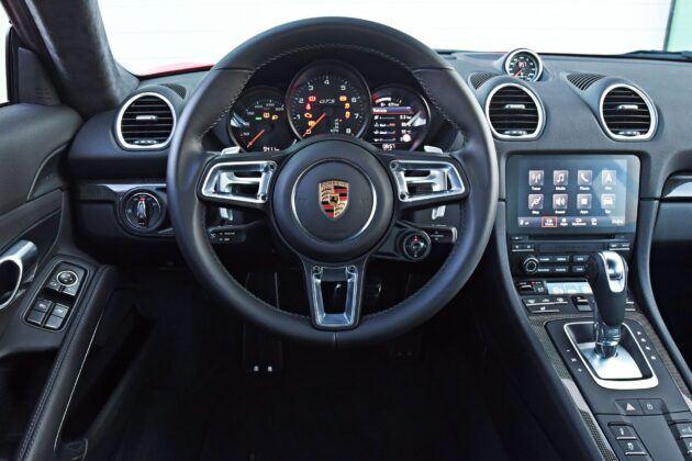 Porsche 718 Cayman - deska rozdzielcza